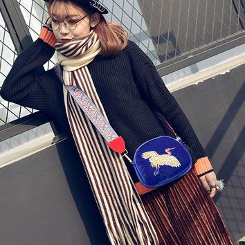 Luxury Fashionable Ethnic Style Bag Cranes Jacquard Ribbon Pleuche Embroidery Worn Bag Lady Small Package Women Messenger Bags