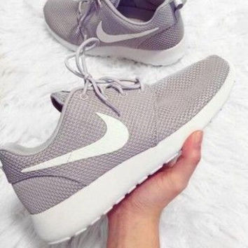 Nike Roshe One Women Casual Sport Shoes Sneakers