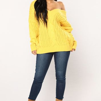 Old Fashion Cable Knit Sweater - Mustard