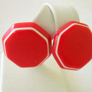 Vintage Red & White Lucite Clip Earrings / Octagonal / Classic Button Earrings / Jewelry / Jewellery