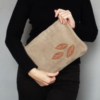 Nubuck clutch. Nubuck Ipad case. Nude nubuck clutch. Beige applique nubuck purse.