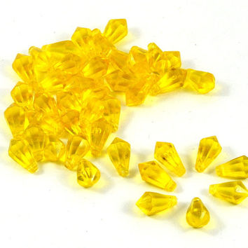 Yellow Faceted Loose Teardrop Acrylic Beads 12x7mm for Jewellery Crafts Gift Wrapping Party Favors Party Supplies Weddings - quantity 20