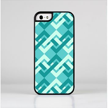 The Locking Green Pattern Skin-Sert Case for the Apple iPhone 5/5s