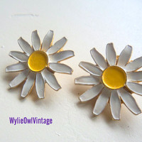 Vintage Daisy Clip On Earrings 1950s