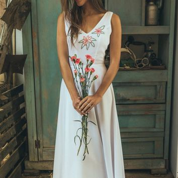 Hand embroidered wedding dress, Floral wedding dress boho style, Alternative wedding dress, Art deco wedding dress, Moonflower blosom