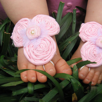 Baby Barefoot Sandals (12-18mo.)-Soft Pink Rosettes