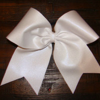 Pearly White Cher Bow