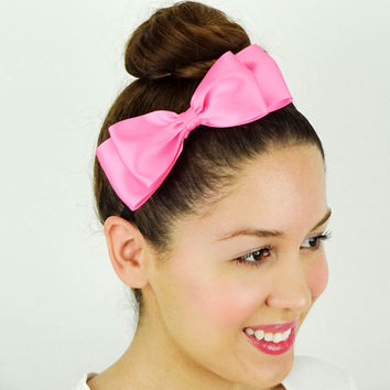 Girly Ribbon Bow in Hot Pink
