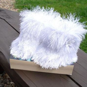 CREY1O Baby Ugg boots, Snowboots , white booties, furry booties, christmas booties, prewalker