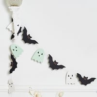 Make the Ghost of It DIY Garland Kit