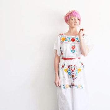 oaxacan summer dress . mexican crewel embroidered flowers .small.medium.large