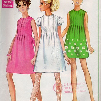 Simplicity Retro Mod Mini Dress 60s Sewing Pattern Collarless Front Tucks Plait Bust 32 Baby Doll Dress