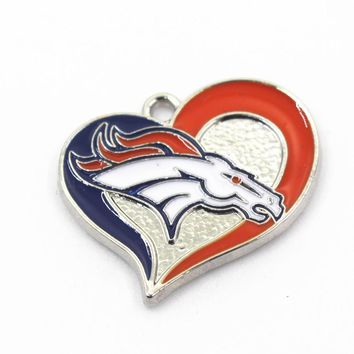 Newest 10pcs/lot Heart Sports Necklace Denver Broncos Football Teams Dangle Hanging Charms For Bracelet Pendant Jewelry