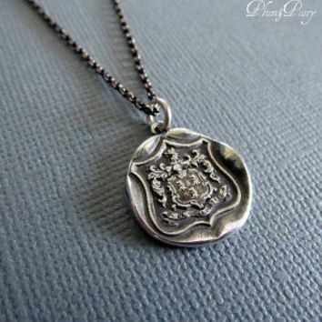 Wolf Crest Wax Seal Necklace in Latin Dum Spiro Spero - While I Breath I Hope LM04