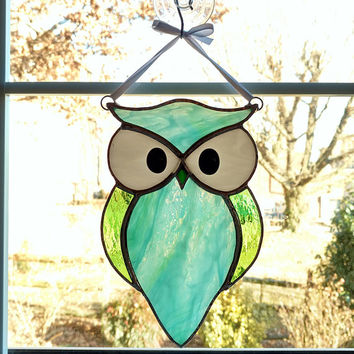 Owl Stained Glass Suncatcher, Blue Green Owl, Bird Ornament, Horned Owl, Glass Owl, Nature Decor, Housewarming Gift, Birthday Gift