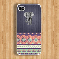 Elephant on Wood and Seamless AztecCase : Iphone 4/4s case Iphone 5 case