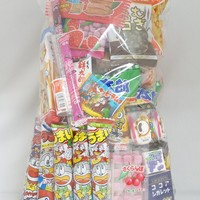 "Assorted Japanese Junk Food Snack ""Dagashi"" Economical 73 Packs of 35 Types"
