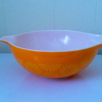 Vintage Pyrex Daisy Cinderella, 4 Quart Bowl, Orange Yellow White Bowl, Cinderella Mixing Bowl, Vintage Ovenware, Large Pyrex Bowl