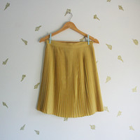 vintage 40s skirt / pale yellow / accordion pleats / knee length / pastel / small / medium