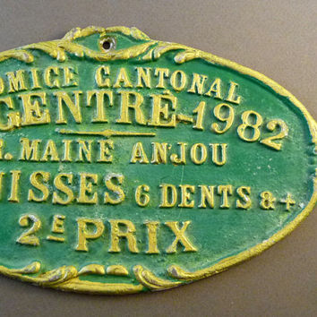 "French cattle trophy medal 1982, cattle breeder award prize, french vintage, painted metal plaque, country decor ""à la française"" green gold"