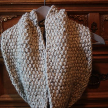 Knit scarf, infinity scarf, chunky cowl scarf, winter accessories, circle scarf, cowl scarf, chunky scarves / Ready to Ship!
