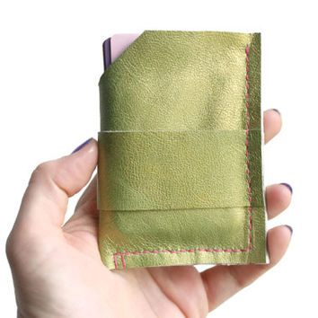 Upcycled Genuine Leather Woman's Green Wallet with Elastic, Leather Wallet, Genuine Leather, Leather Card Holder, Genuine Lambskin