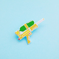 Water Gun Enamel Lapel Pin Badge - Supersoaker 90s Pin