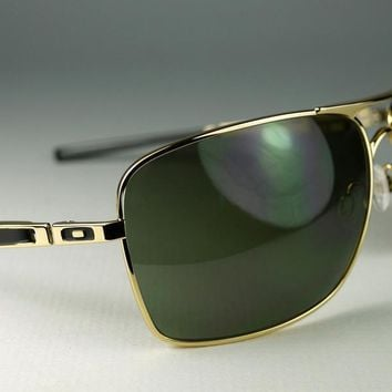 New Oakley Plaintiff Squared Sunglasses Polished Gold/Dark Gray Aviators 4063-02