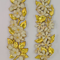 Vintage 1970s Homco Daisy Flower Sconces Wall Decor - White with Gold Leaves