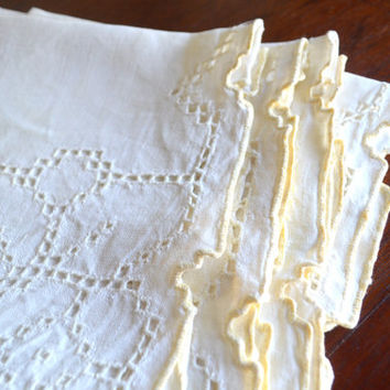 Set of 10 Vintage Linen Napkins, Cutwork Linen with Pale Yellow Rolled Hem, Dinner Party, circa 1980s