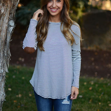 Hooked On You Top - Navy