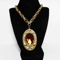 Victorian Style Pendant Chain Necklace Whiting & Davis Original Box Topaz Gold Tone Faceted Stone Repousse Frame Vintage 1960s 1970s Pendant