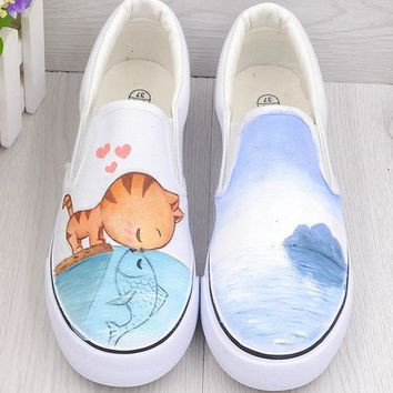 The new wind Harajuku cat fish hand-painted shoes graffiti canvas shoes women summer shoes a pedal to help low female student Loafers