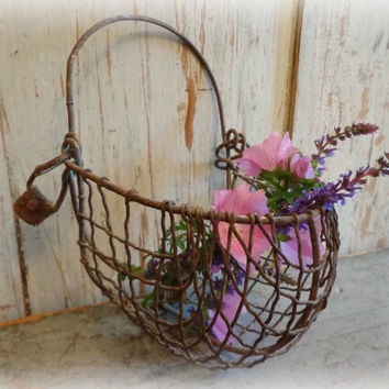 antique calf muzzle / primitive farm barn agriculture / rusty metal basket / wall hanging / farmhouse decor
