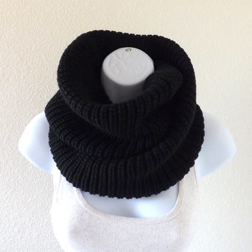 FALL SALE Cashmere Knitted Infinity Scarf, Unisex Scarf, Fall Winter Knit Infinity Scarf /BLACK/
