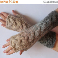 REGULAR PRICE Fingerless Gloves White Gray Beige wrist warmers