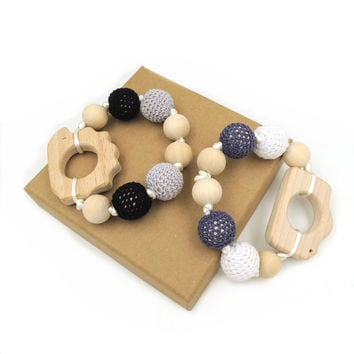 2 pcs Safe cord knoted wooden white black grey crochet beads beech camera hedgehog baby boy teether teething toy  ET96