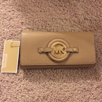 NEW Michael Kors Fulton Stockard Carryall Leather Wallet Clutch Dk/camel