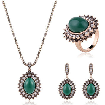 Rhinestoned Faux Emerald Oval Jewelry Set