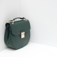 OVAL MESSENGER BAG