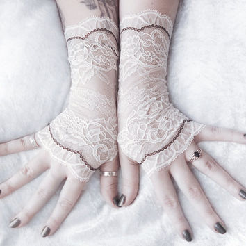 Fated Lace Gloves Fingerless   Off White Pale Ivory Floral Black   Bridal Woodland Wedding Romantic Austen Arm Warmer Bellydance Gothic Goth