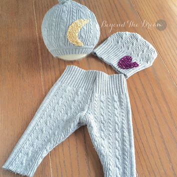 Upcycle Newborn Set, Gender Neutral, Moon and Heart Patch Hat Set, Upcycled Sweater Set, Newborn Photography Prop Set, Knot Hat