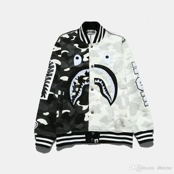New Arrival Men Women Black White Splice Camouflage Jacket Shark Print Jacket Men Spring Autumn Hip Hop Swag Baseball Bomber Jackets