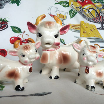 Mid Century Bessie the Cow Creamer with Salt and Pepper Calves Vintage Kitchen Collectible