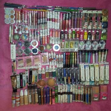 Makeup Cosmetic Lot Hard Candy of 26 Pieces No Repeats Assorted Eye Shadow Lip Balm New