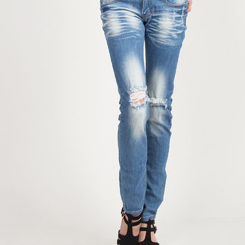 Knee Ripped Medium Washed Jeans