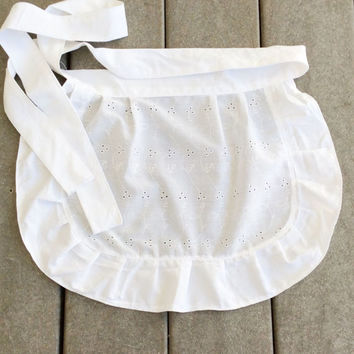 Toddler White Apron Eyelet Fabric Apron with Ruffles Pretty French Maid apron, Old Fashioned Apron for Easter Small White Apron for Girl