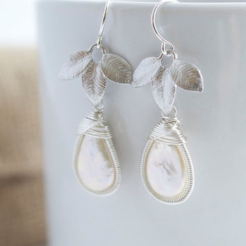 Pearl Dangle Earrings,  Wire Wrapped Earrings, Bridal Jewelry, Pearl and Silver Earrngs, Pearl Earrings