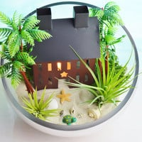 Beach House Terrarium Centerpiece ~ Large Glass Open Slope Bowl with 2 AirPlants ~ Metal House ~ Candle Holder ~ Centerpiece ~ Gift idea