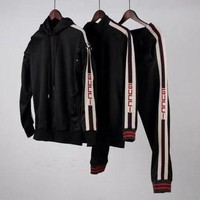 PEAPLM3 Gucci sports and leisure suits